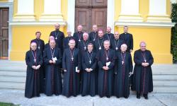 A romániai katolikus püspökök a Püspökkari Konferencia 2016-os őszi ülésén, Nagyváradon